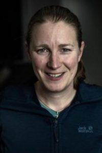 Hoofd-instructeur Mayra